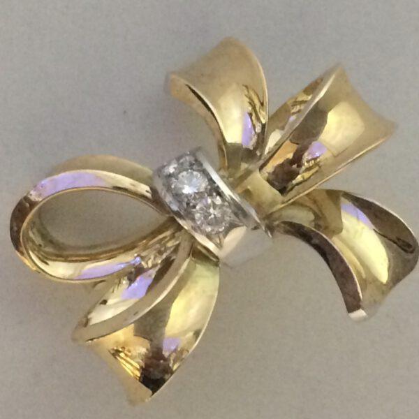 Goldbrosche mit Diamanten 585/ 14 Karat Einzelstück